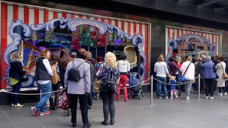 【澳洲特派】三十多位藝術家、一萬七千小時工作、一本經典童書,以及獨一無二的耶誕回憶