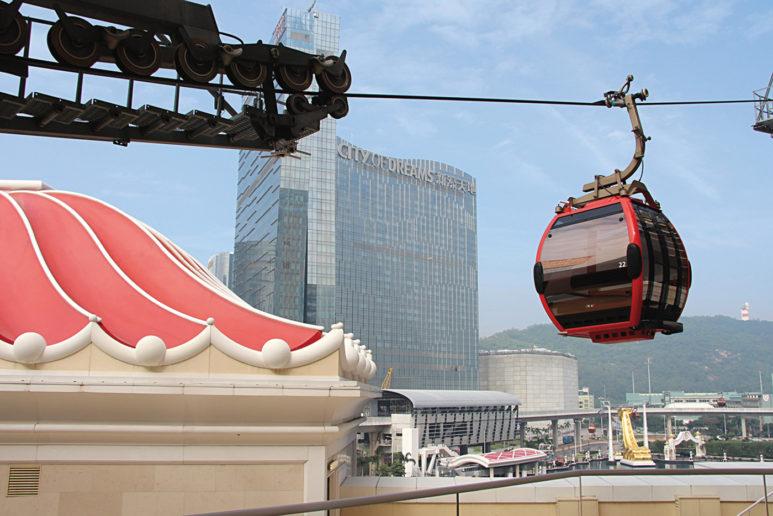 永利皇宮以繞行噴水池一周的纜車成功引起話題